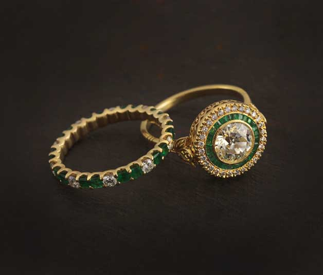 Solitaire_Emerald_Duo_Rings